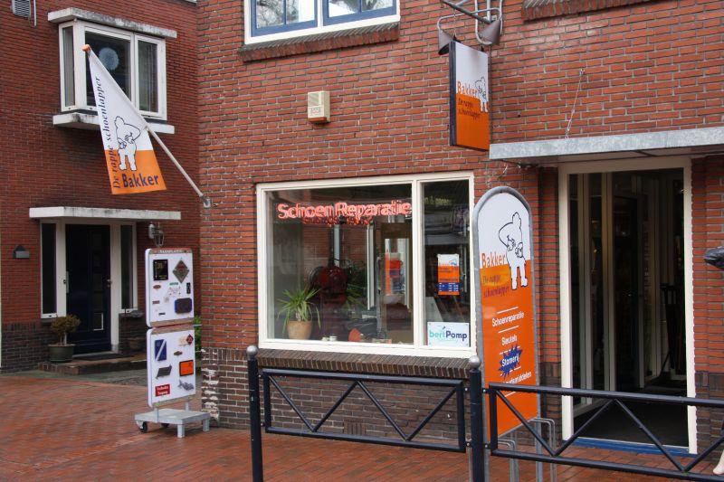 Stationsweg 25 | 050-5893744