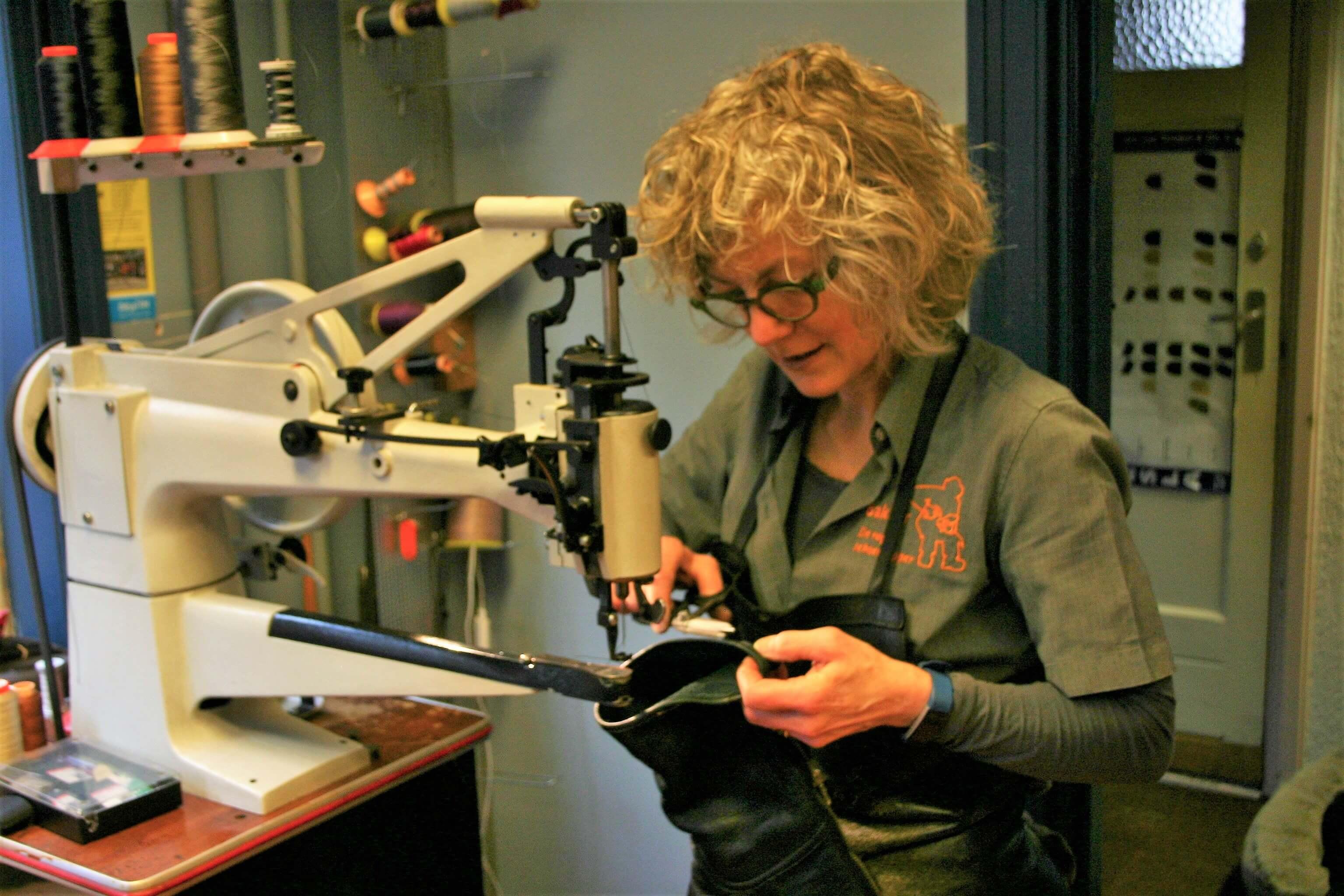 Schoenmakersleutelmakerslotenmakerstomerijkledingreparatie